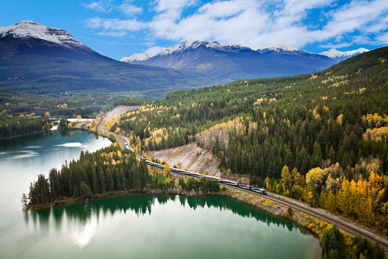 Rocky-Mountaineer-View4-web