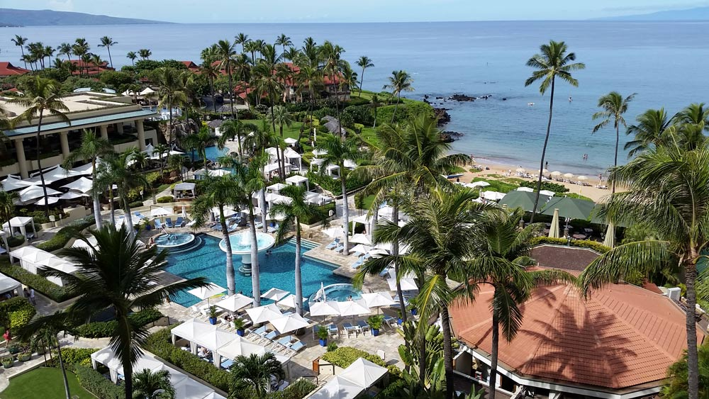 four-seasons-maui-pool-area-sun